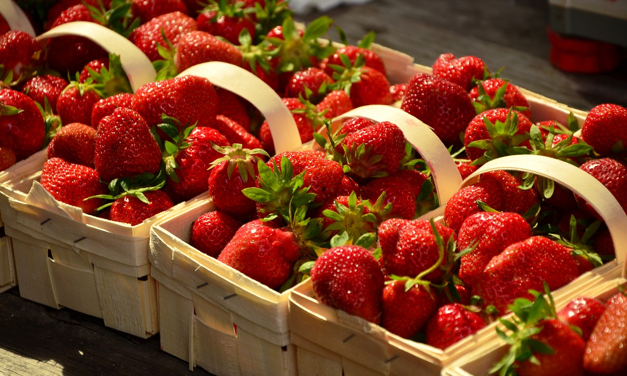 strawberries-1452717_1280