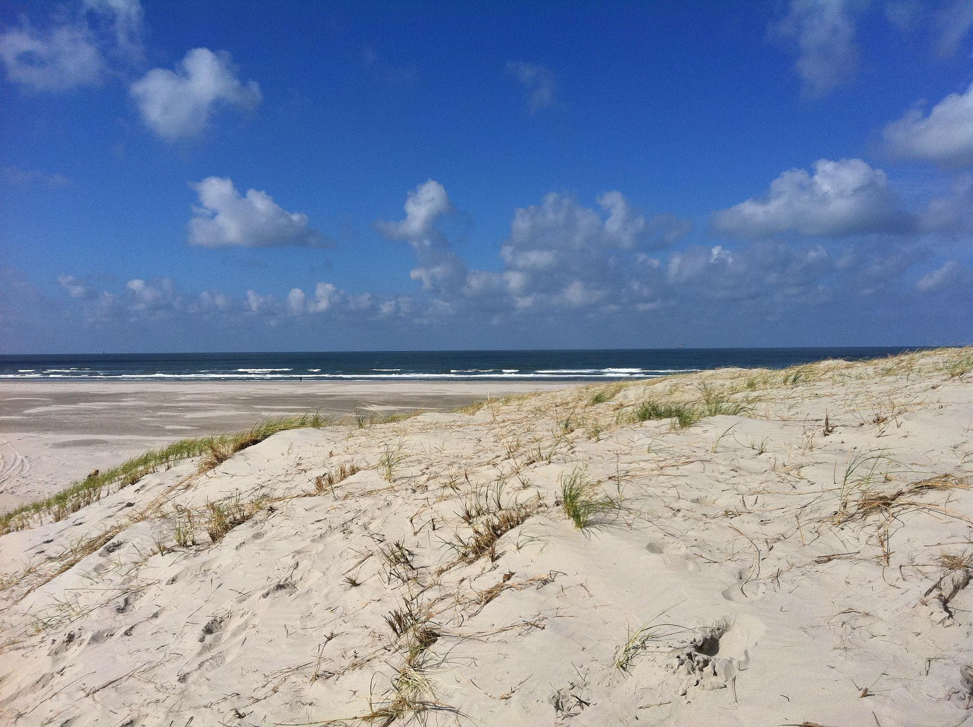 beach-268341_1920